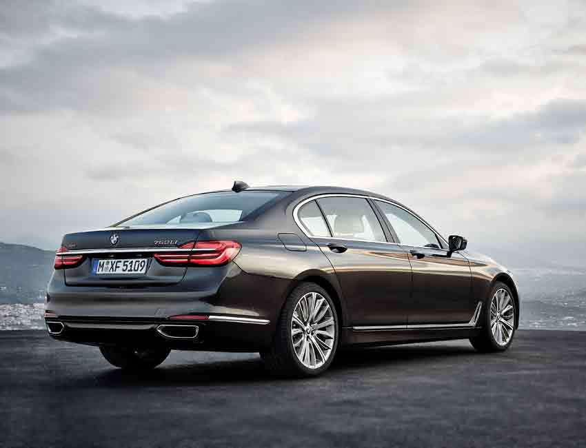 BMW 7 Series Performance V8 Engine