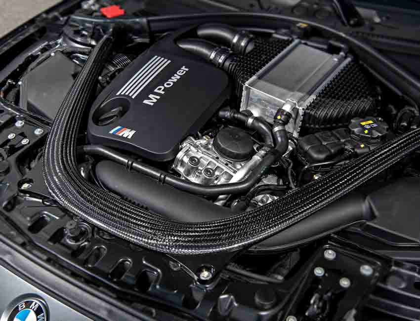 BMW M4 GTS 500HP Engine