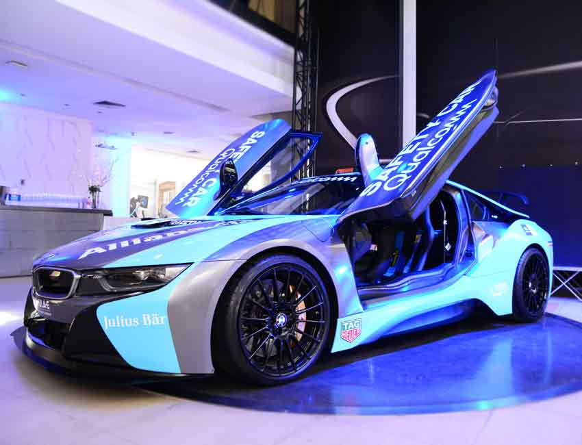 BMW i8 Coupe Scissor Doors Hybrid Car Maintenance