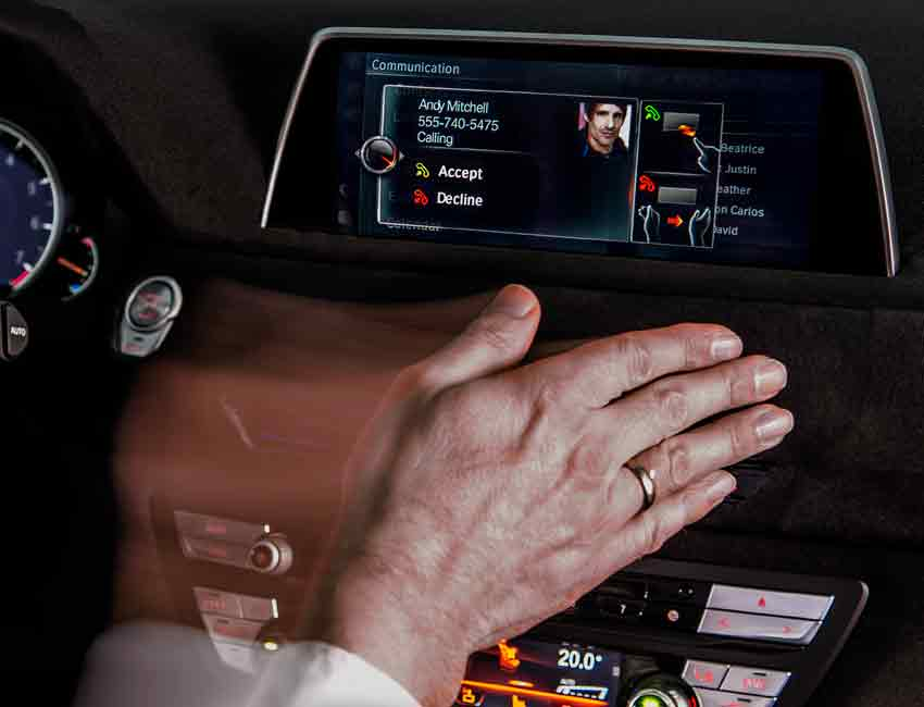 Top 6 Amazingly Useful Technologies in the BMW 7 Series Gesture Control