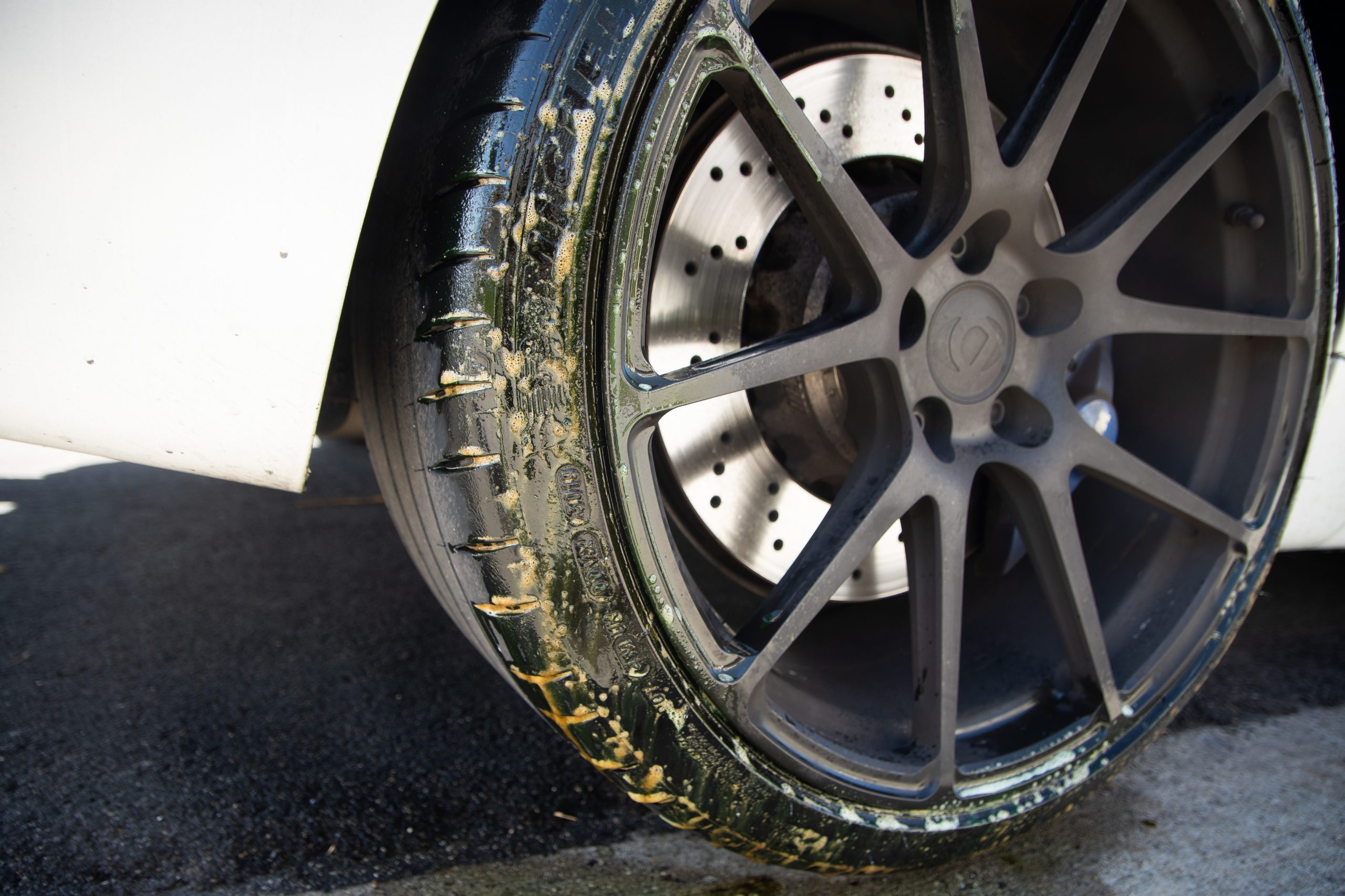 best way to clean rims and tires